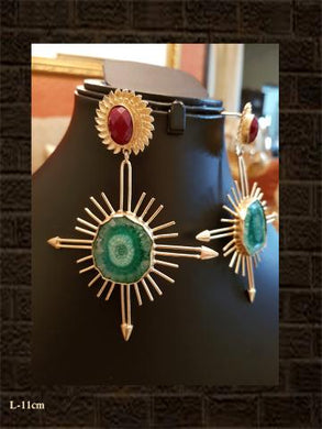 Red and green sun quartz earring
