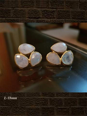 Three leaf Rainbow moonstone checker studs