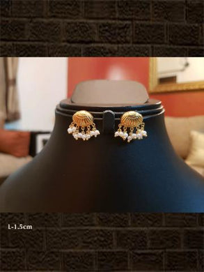 Pure silver gold plated shell shaped earring(weight-2.743gm)