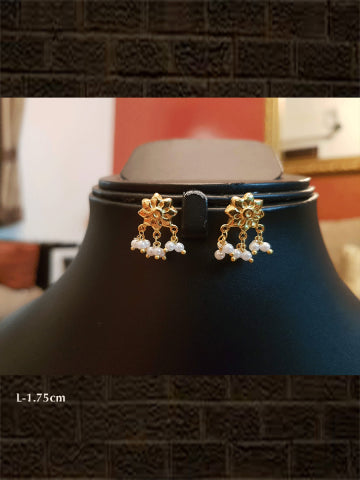 Pure silver gold plated flower shaped earring(weight-1.893gm)