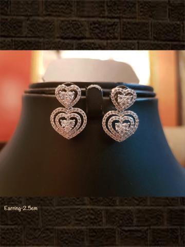 Heart shape AD earring with silver polish