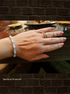 Silver finish AD wave design openable bracelet