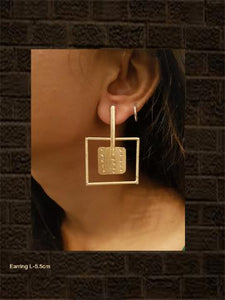 Gold finish light weight square pattern earring