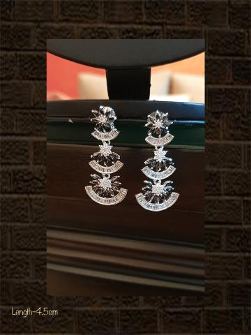 Black finish AD  and black stone three tier earring