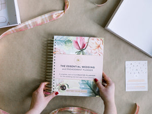 The Essential Wedding and Engagement Planner (Hardcover)