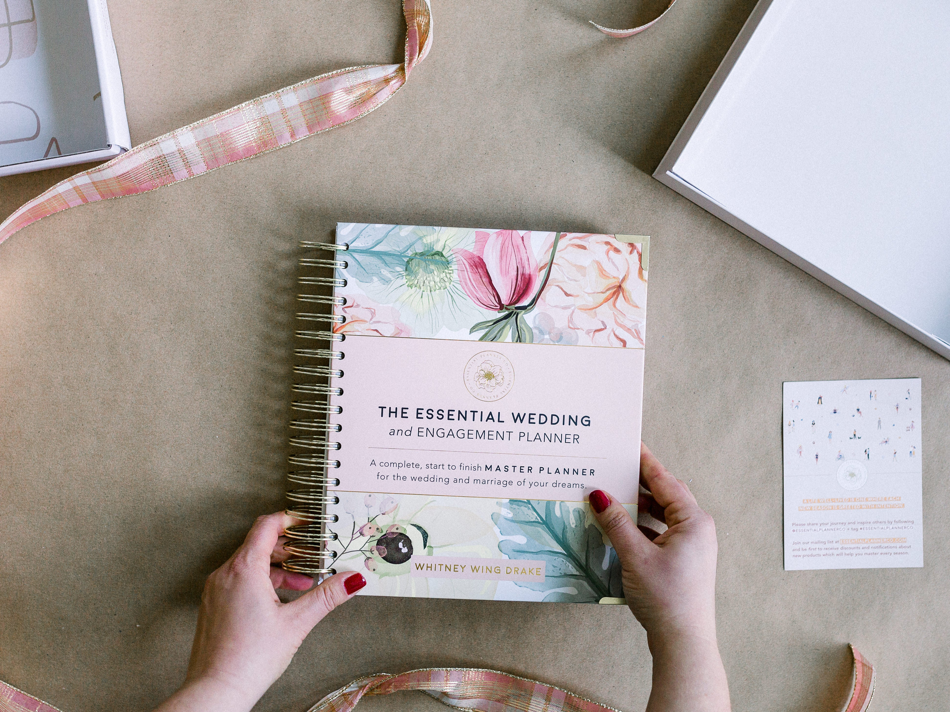 The Essential Wedding and Engagement Planner (Imperfect - Hardcover)