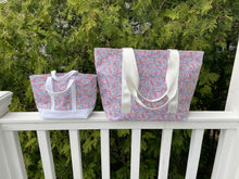 Load image into Gallery viewer, Mini Garden Floral Tote