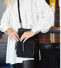 Load image into Gallery viewer, Maud Dainty Mafia Black Bag