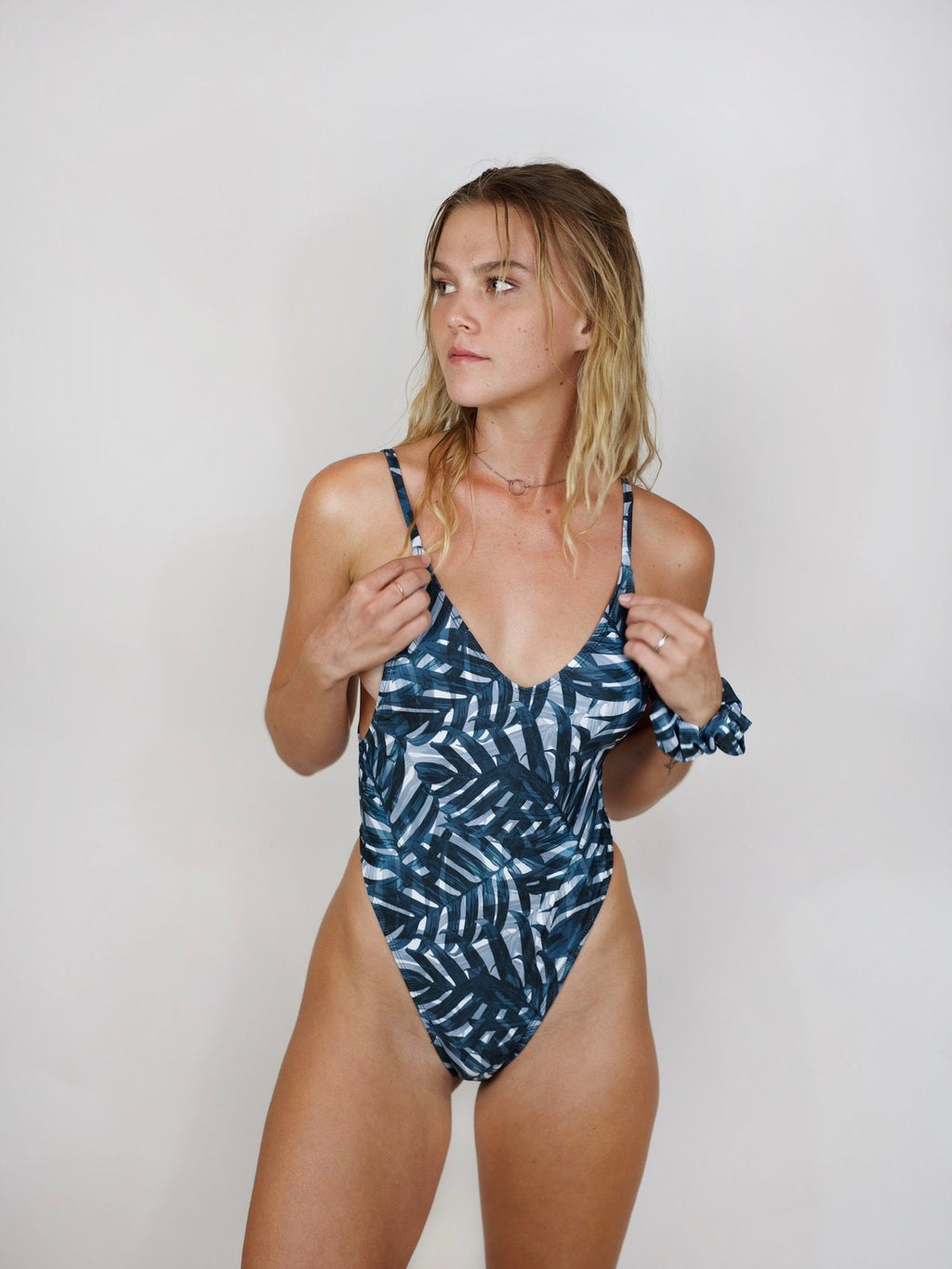 Pretty Girl One-Piece / Blue Palm