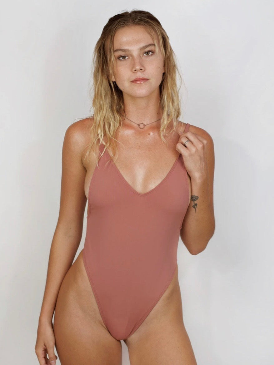 Pretty Girl One-Piece / Melrose