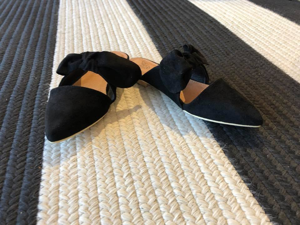 Bow Mules in Black