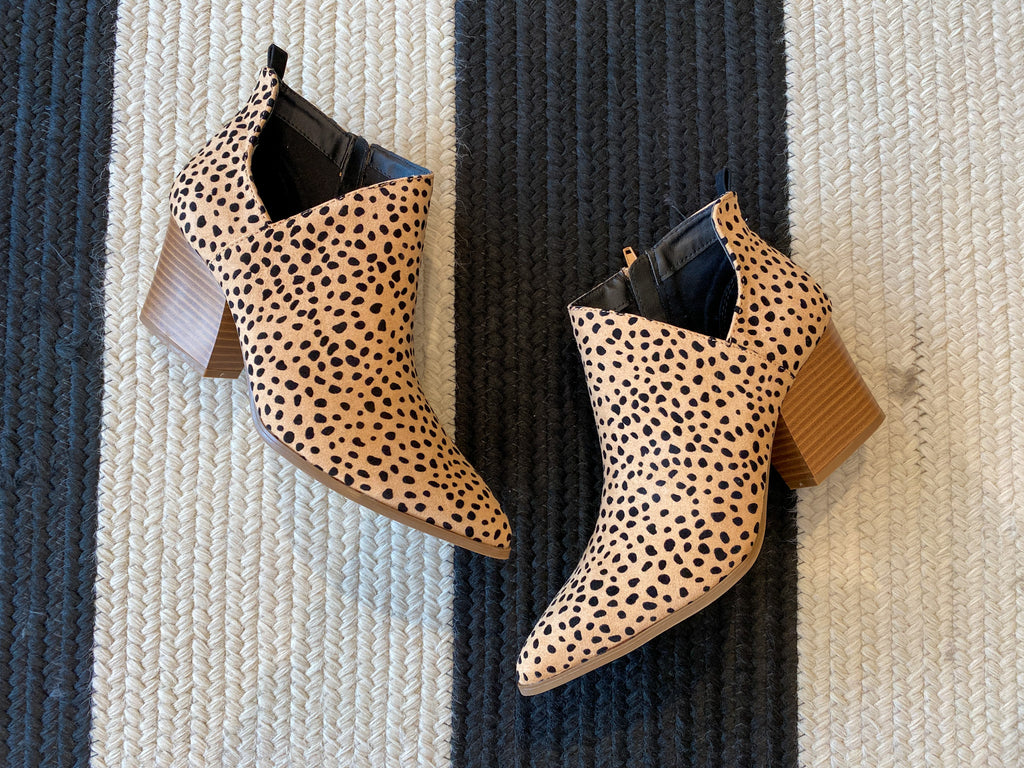 SALE! Native Pointy Toe Booties in Cheetah