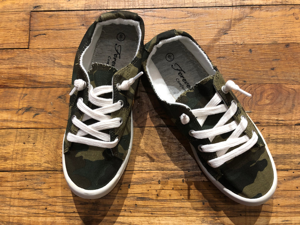Canvas Lace Up Sneakers in Camo