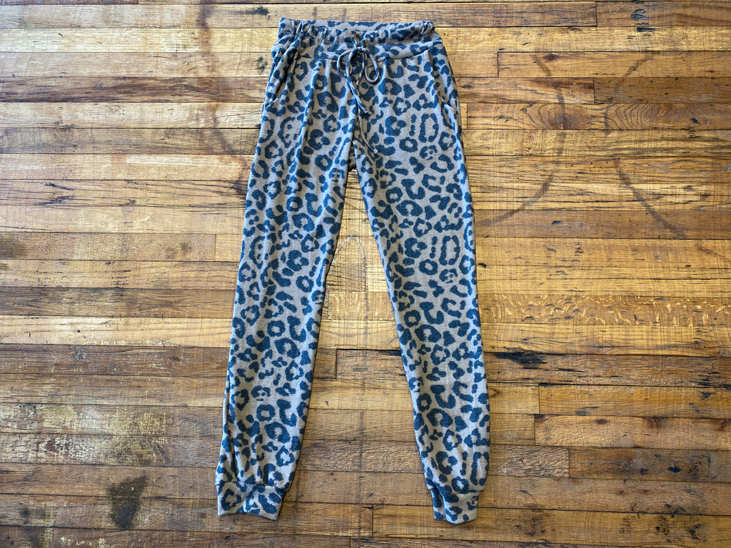 Lounge in Leopard Joggers