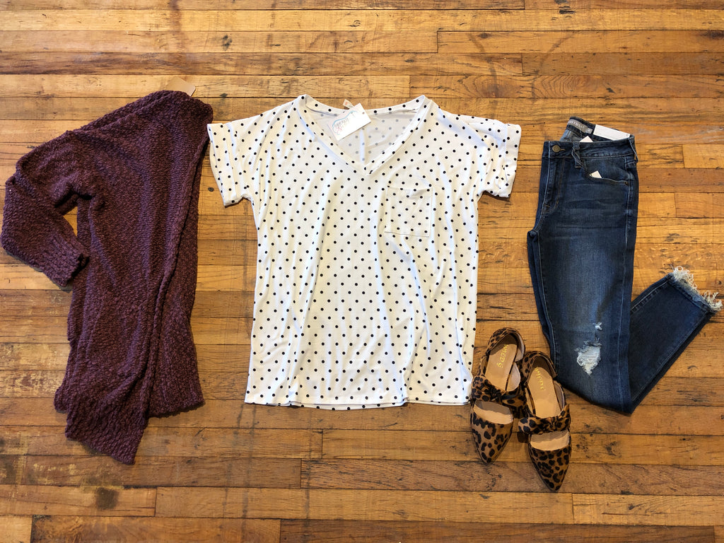 Basic V-Neck Tee in White Polka Dots