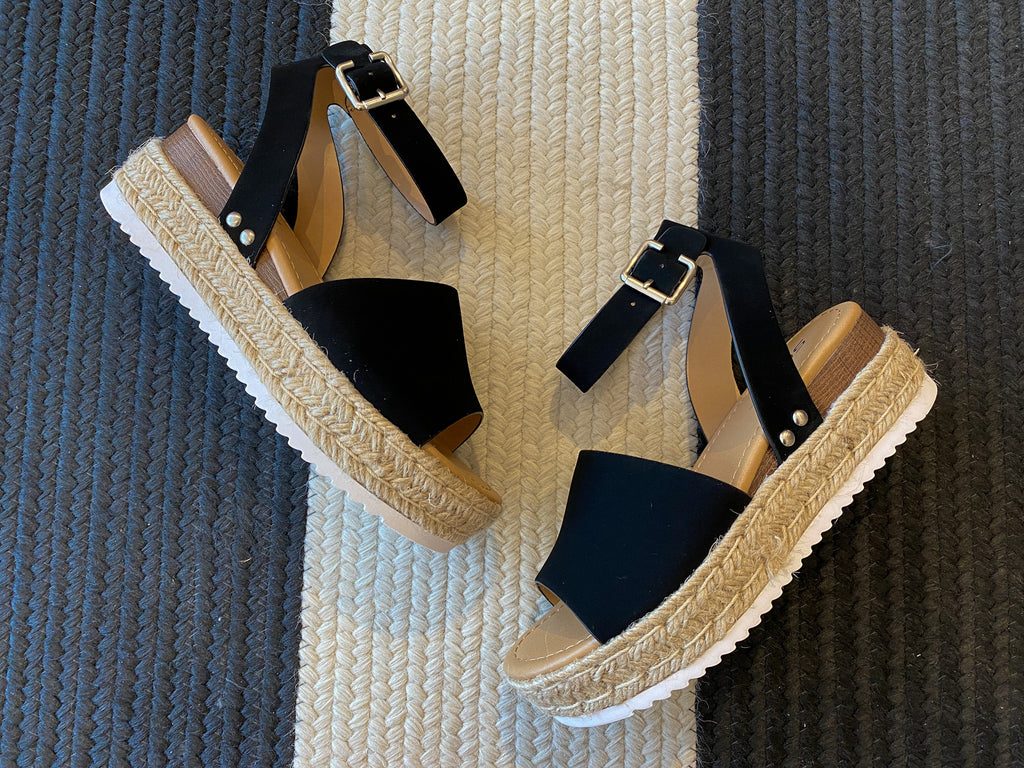 Malta Wedges in Black