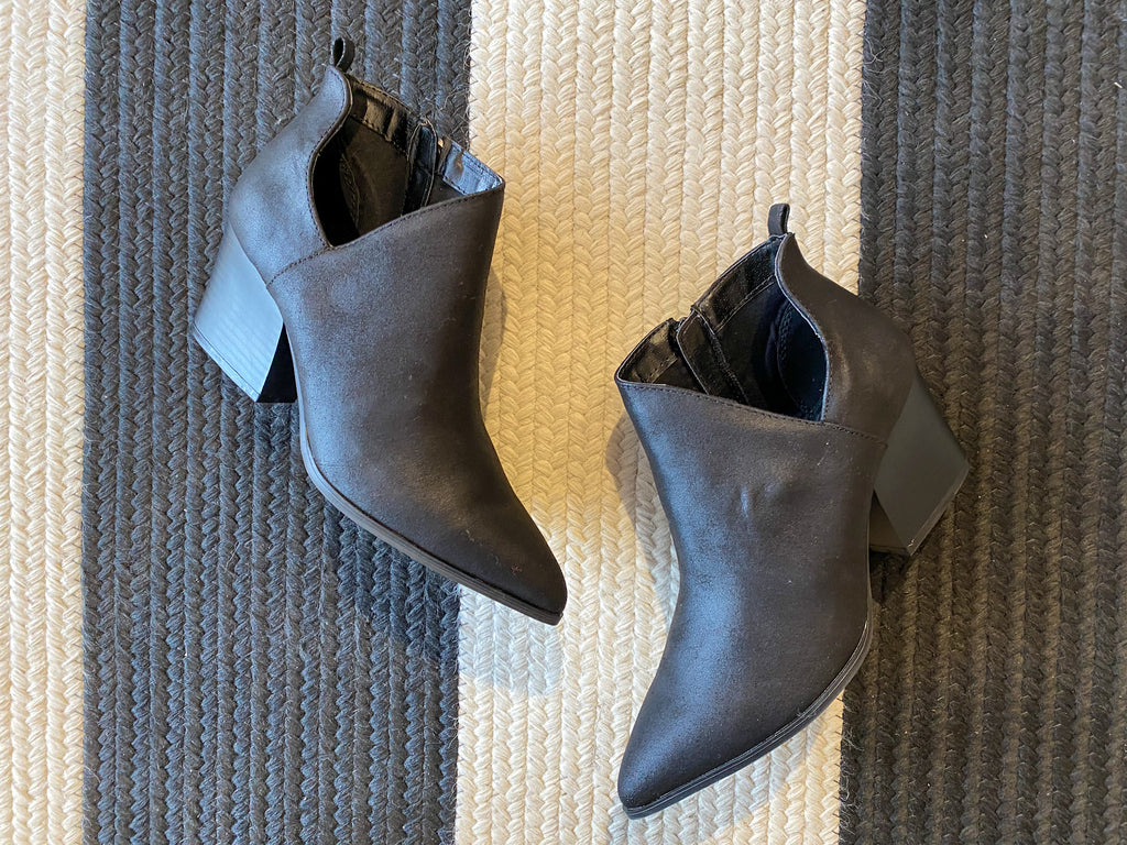 Native Pointy Toe Booties in Black