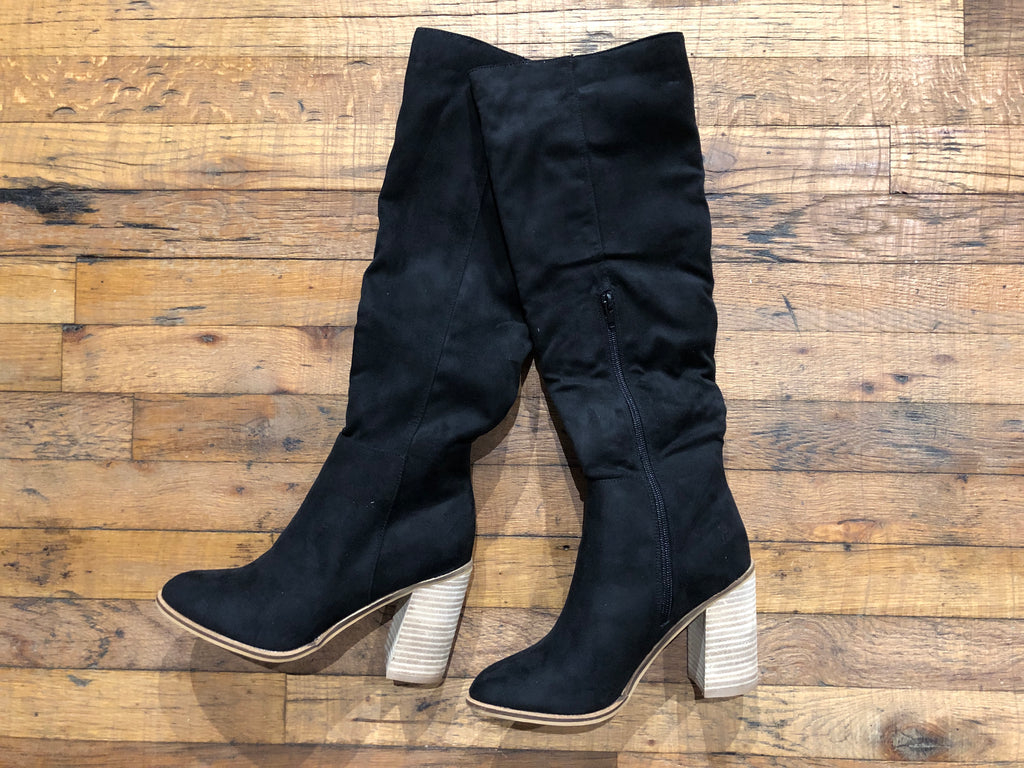Catwalk Knee High Boots in Black