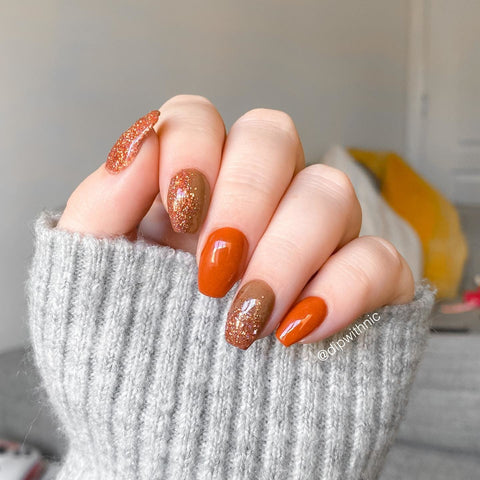 Acorn, Spiced, and Amber Dip Powder | Get the look | Glitter Ombre