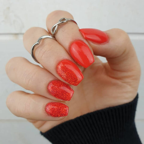 D493 Vendetta and D544 Babe Ombre Dip Manicure | Revel Nail Dip Powder | Get the look