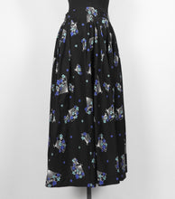 Load image into Gallery viewer, 1950s Black Cotton Novelty Print Skirt with Fans - W27 28