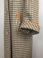 Load image into Gallery viewer, 1950s Houndstooth Check Coat in Orange, Black and Cream - B38/39