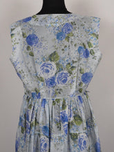 Load image into Gallery viewer, 1950s Blue Roses Nylon Dress - B38/40