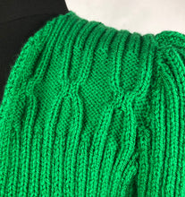 Load image into Gallery viewer, 1940s Style Hand Knitted Bolero in Green - B34 36