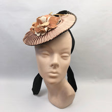 Load image into Gallery viewer, 1940s Black and Soft Apricot Straw & Grosgrain Hat with Floral Trim
