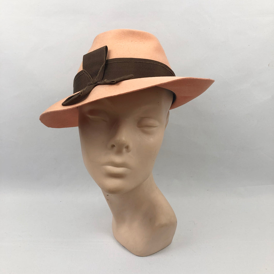 1930s or 1940s Apricot Felt Fedora with Brown Grosgrain Trim
