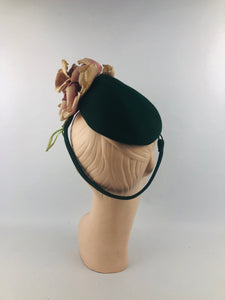 1940s Forest Green Felt Hat with Flowers