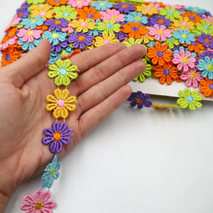 25mm Rainbow Daisy Flower Braid 8927