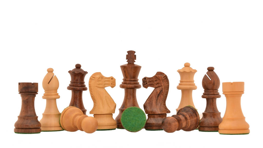 Full Set of 34 Black /& White Staunton Single Weight Chess Pieces 4 Queens
