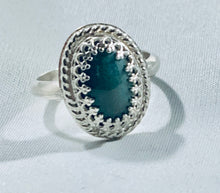 Load image into Gallery viewer, Oval Green Agate Ring