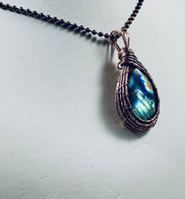Load image into Gallery viewer, Labradorite Pendant