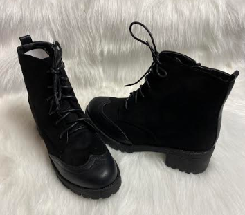 Black Lace-up Boots With Detail