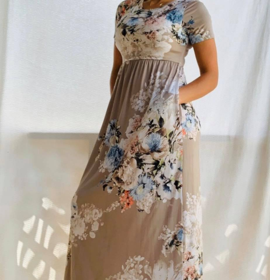 """Bella"" Cream Floral Short Sleeve Poly Maxi Dress with Pockets"