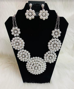 Bold Pearl Disc Chunky Statement Necklace W/Earrings