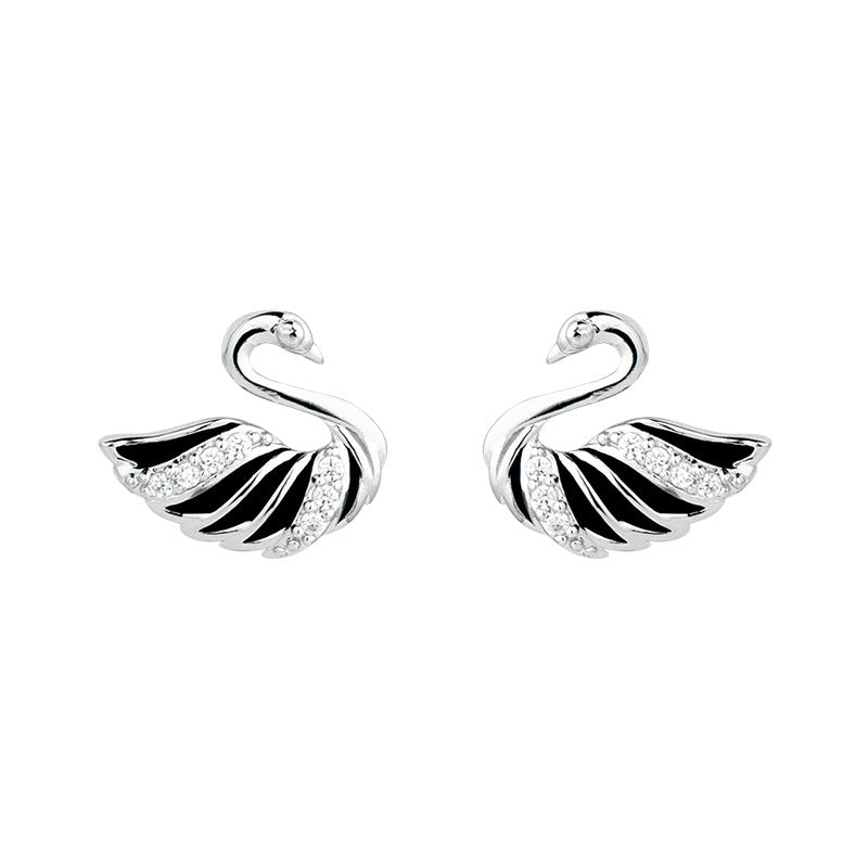 New temperament silver swan earrings women fashion small and simple jewelry natural shell earrings