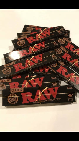 Raw Black King Size Rolling Paper - Full Box of 50 Packs - Smoker's World of Hollywood