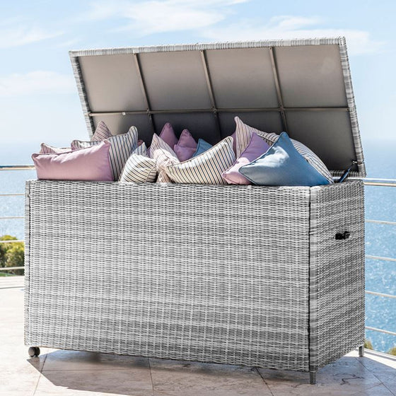Heritage Large Cushion Storage Box