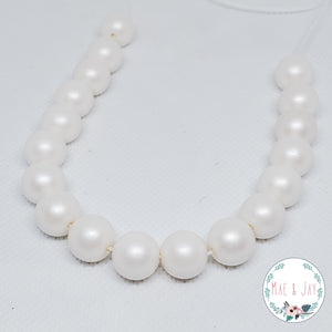 White Mini Necklace