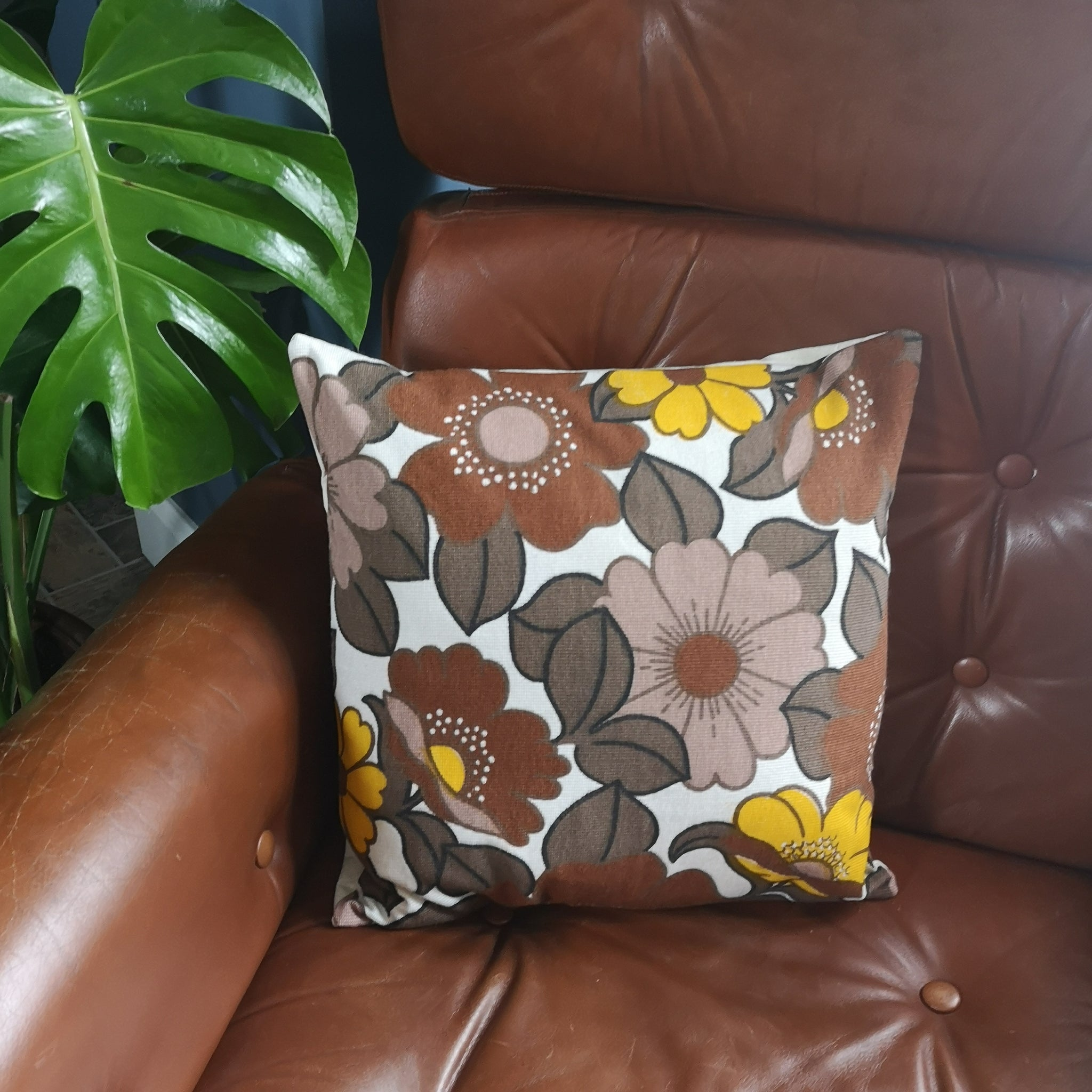 Retro Floral Print Cushion Cover