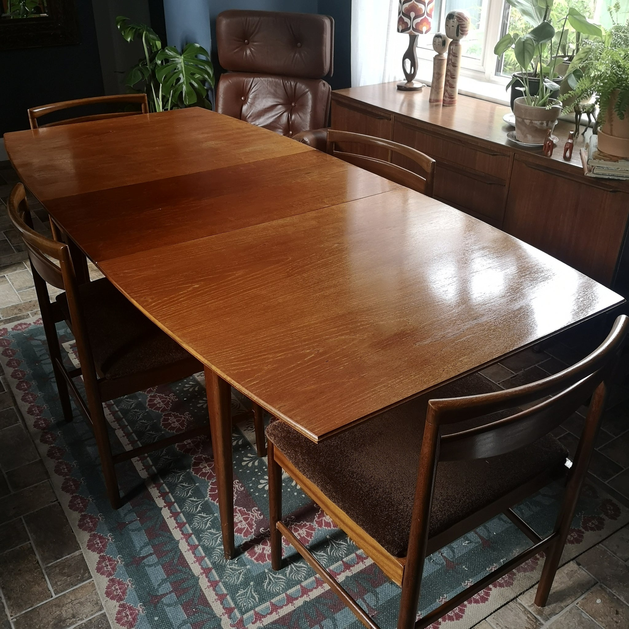 Mcintosh teak extended table & 4 chairs