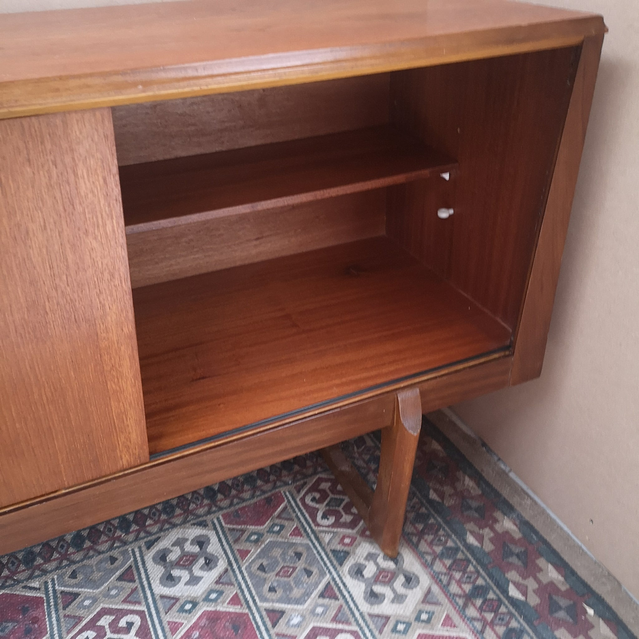 Elliots of Newbury Sideboard
