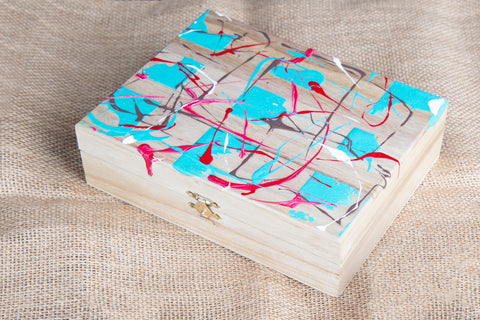 Hand painted small box - A detail