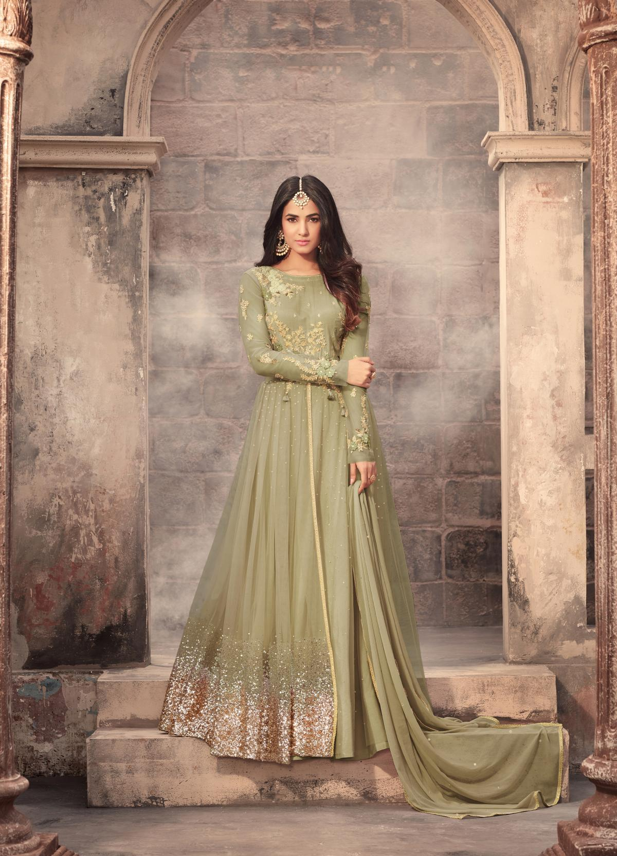 Bridal Net Pakistani Style Reception Wear Charming Trendy Salwar-kameez 30076