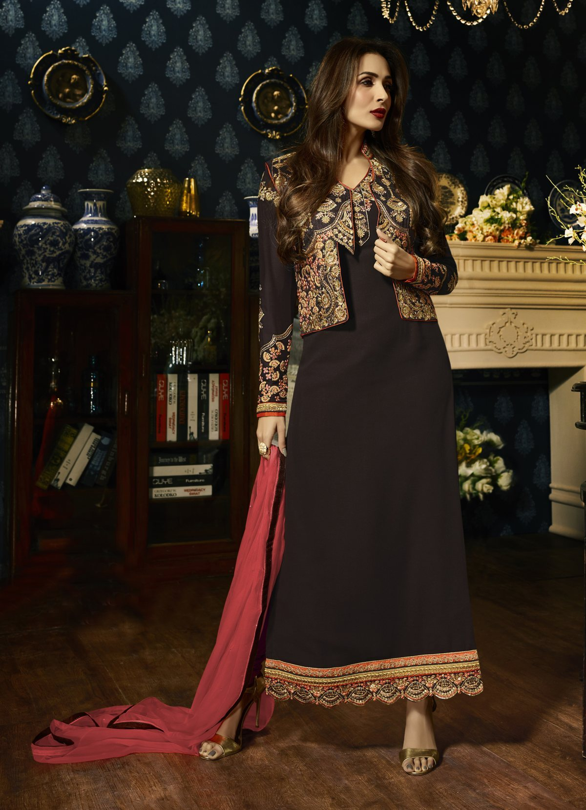 Latest Trendy Salwar-kameez 30083