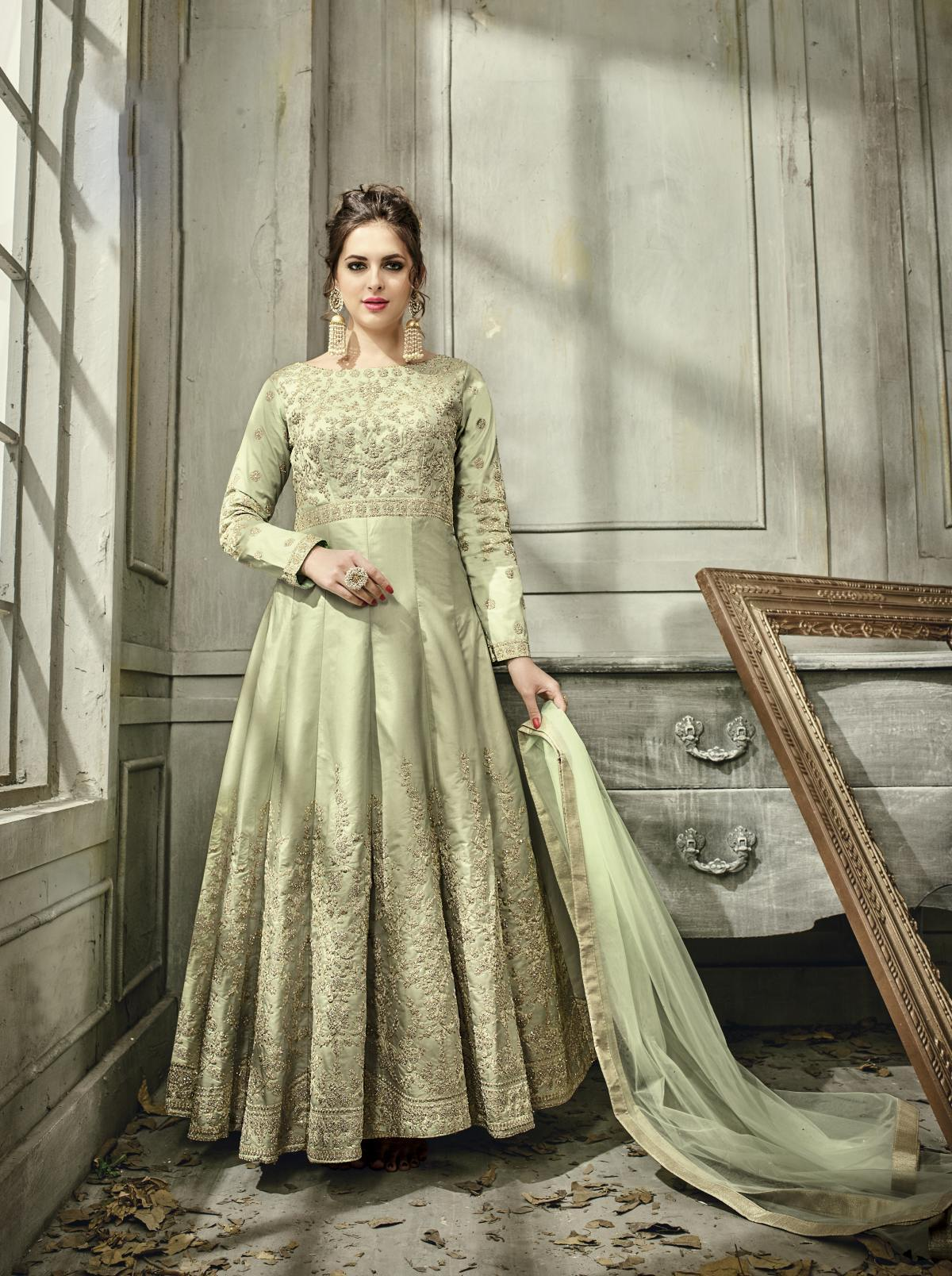 Latest Trendy Salwar-kameez 30107