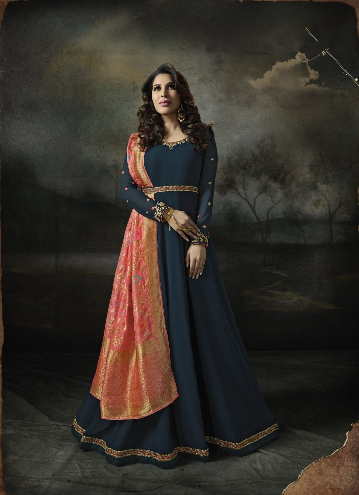 Latest Trendy Salwar-kameez 30263